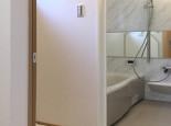 脱衣室と浴室