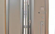 玄関の採風扉