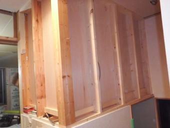 寝室収納、階段上に完成しました。