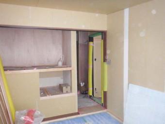 寝室収納部分もキレイに造作されています